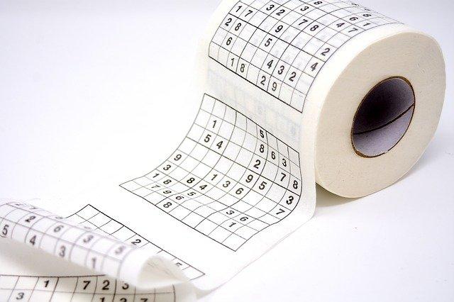toilet-paper-3047628_640